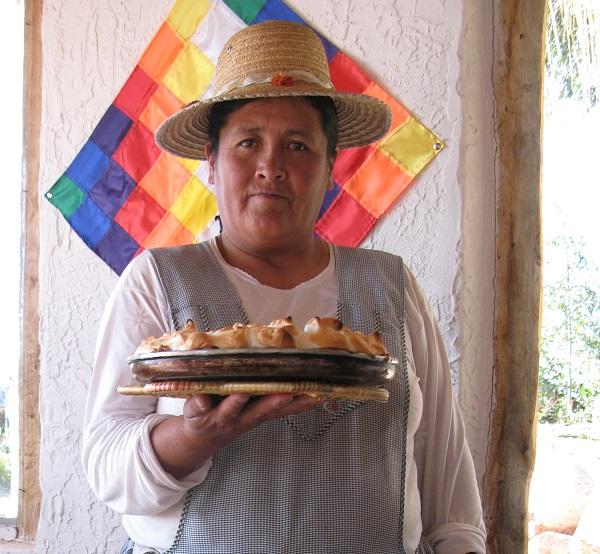 Boliviansk kvinde med citrontærte