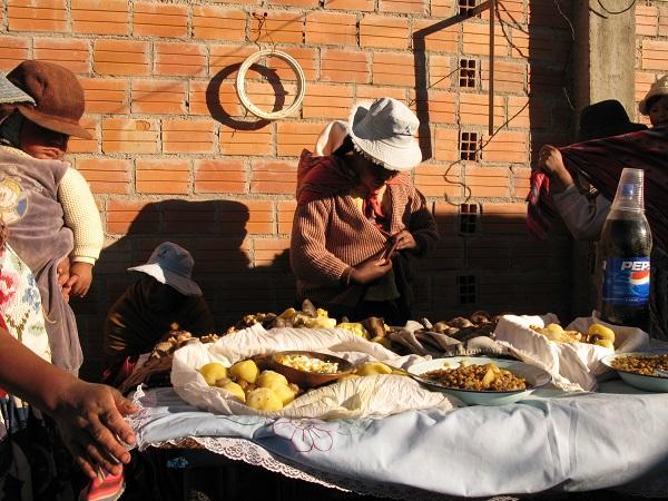 Aptapi - højlandets buffet - El Alto i Bolivia